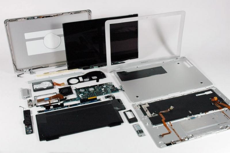 how to clean macbook air inside