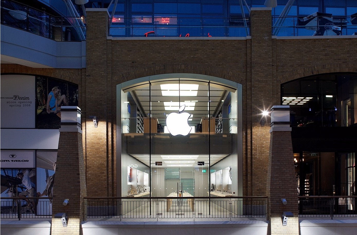 Apple's Victoria Square Store in Belfast Reportedly Undergoes Deep Clean Amid COVID-19 Contamination Fears