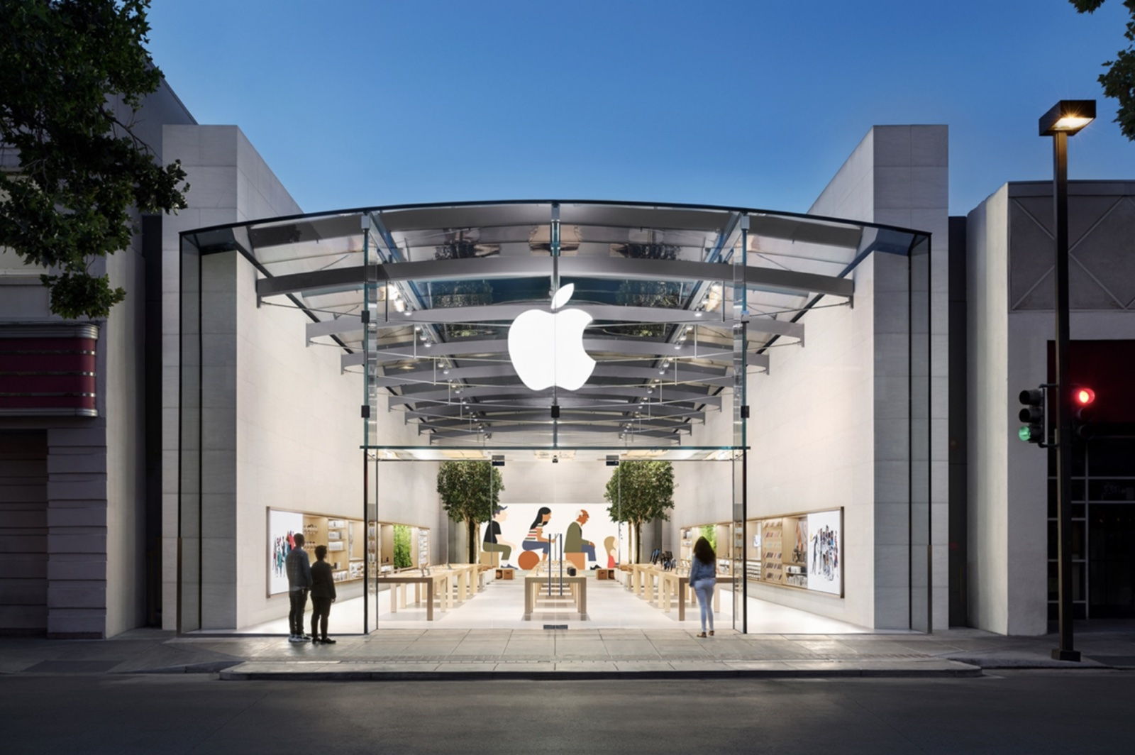 Apple Not Expecting U.S. Offices to Return to Normal in 2020, Encourages Retail Staff at Closed Stores to Work Remotely