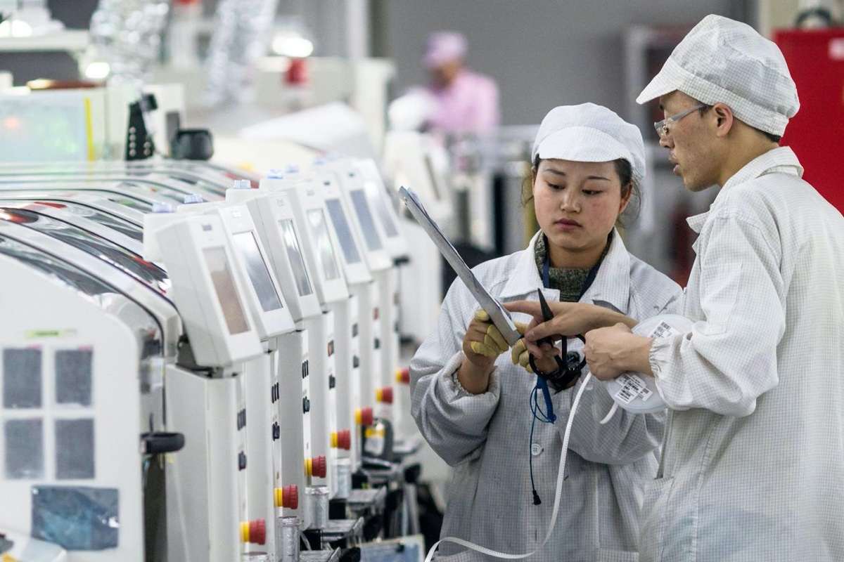 iPhone Production Resumption in China Exceeds Foxconn's Expectations, But US Sales Concerns Remain