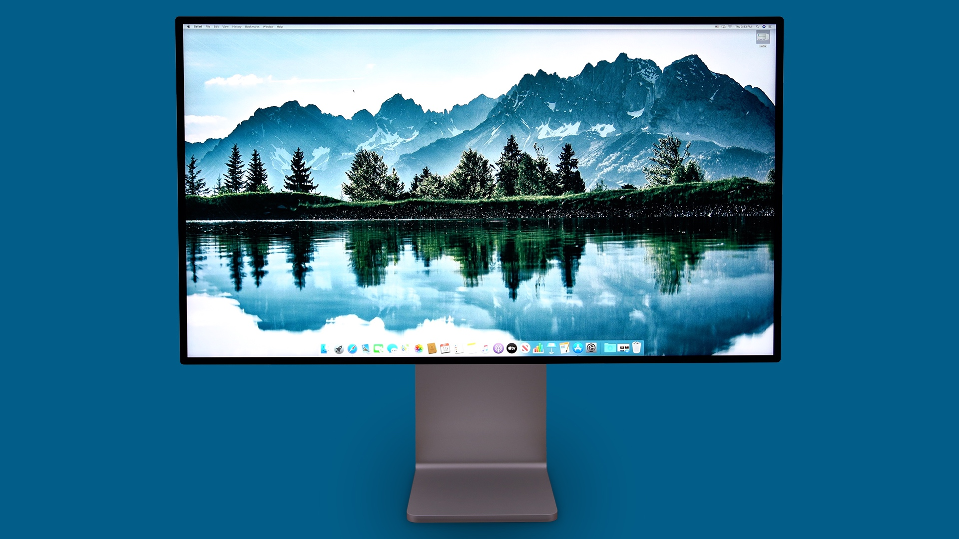 Pro Display XDR Blue