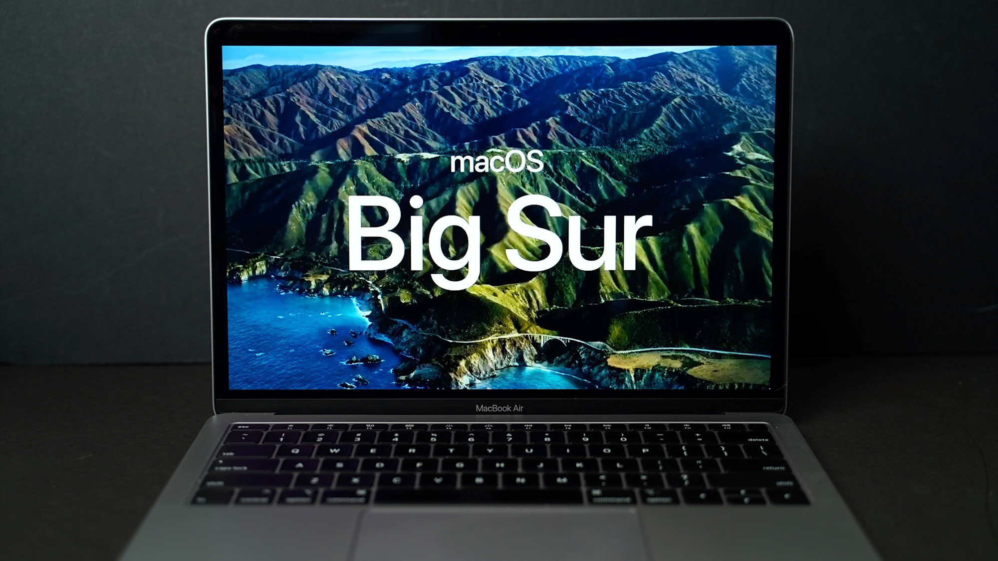 First Look: macOS Big Sur With Redesign, Safari Updates, New Messages App and More thumbnail