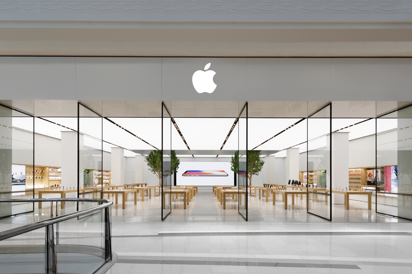 photo of Apple Stores in Victoria, Australia to Reclose Following Return of Lockdown image