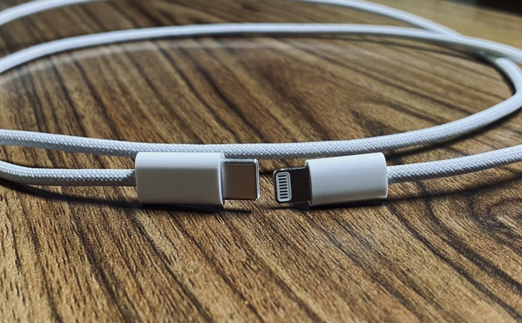 New Images Leak of iPhone 12 Braided USB-C to Lightning Cable