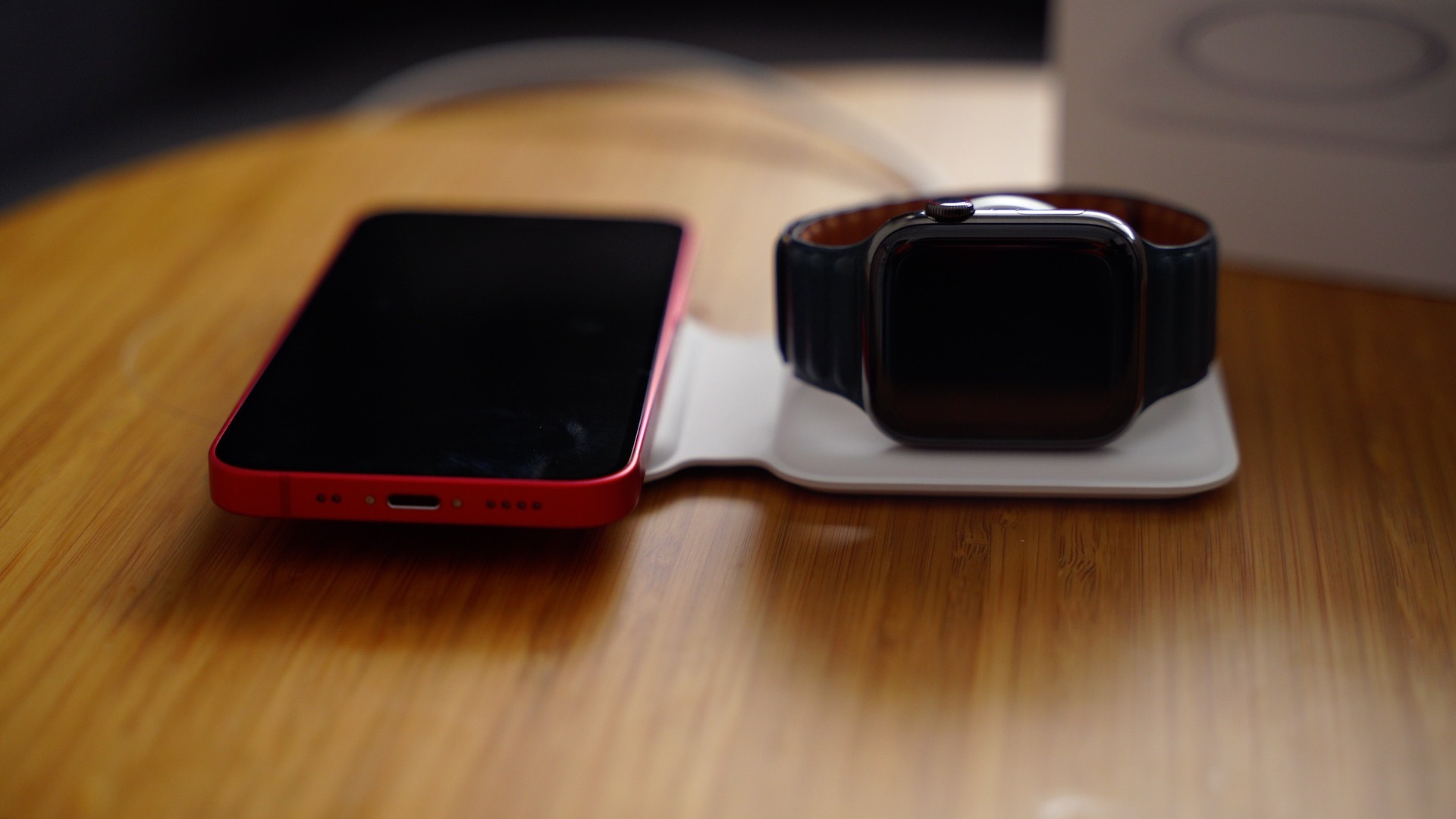 magsafe duo iphone apple watch 2