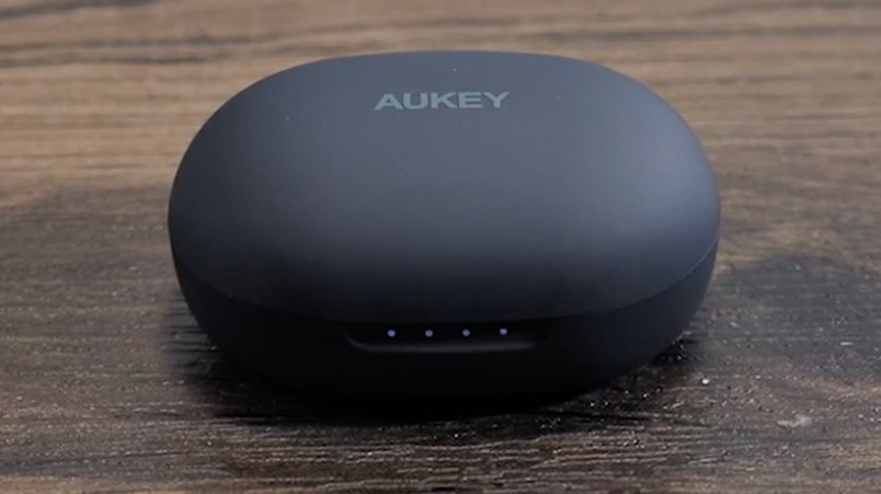 aukey true wireless headphones case