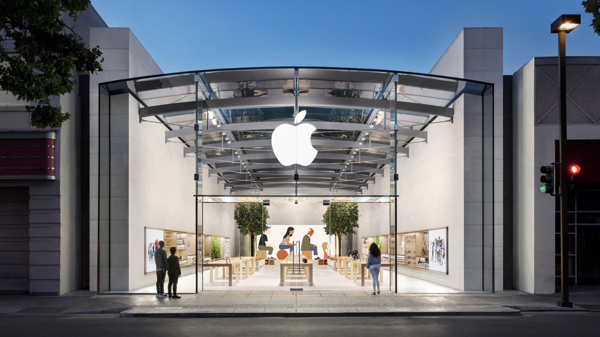 Apple Stores to Drop Mask Requirement for Vaccinated Customers This Week