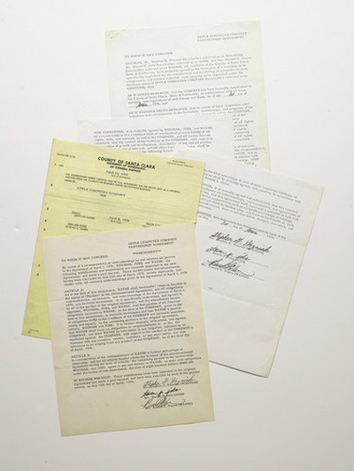 apple computer contract papers