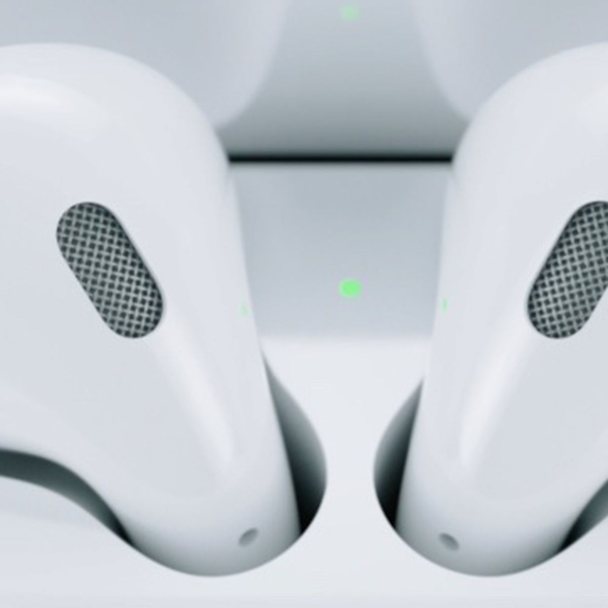 What Does The Light On The Airpods Case Mean Macrumors