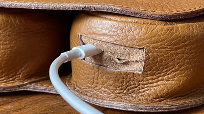 capra leather case review charging