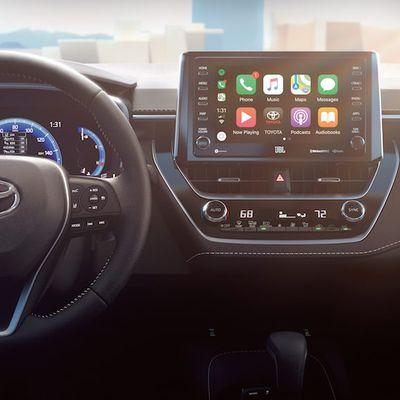 2019 toyota corolla hatchback carplay
