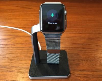 mophie_watch_dock_charging