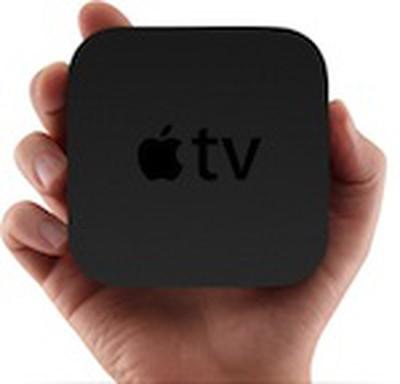 144743 apple tv 2010 in hand