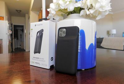 mophie juice pack iphone 11 review 10