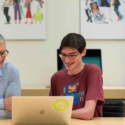 tim cook apple store florida