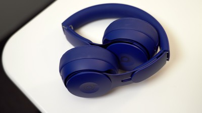 beats solo pro hands on 3