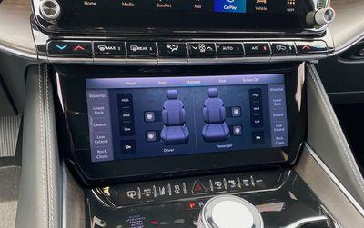 2022 wagoneer lower screen