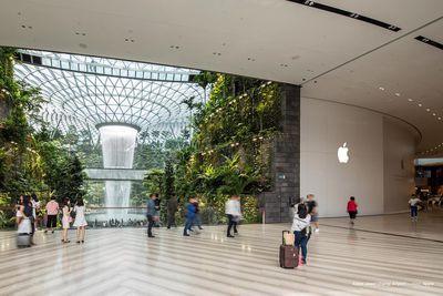 apple jewel changi airport singapore