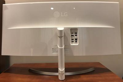 lg 38uc99 rear