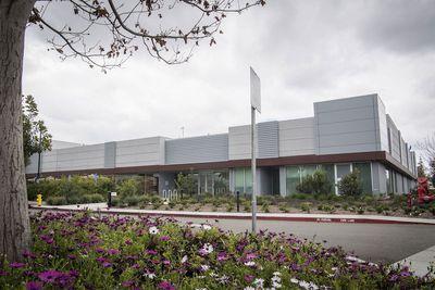 apple microled facility