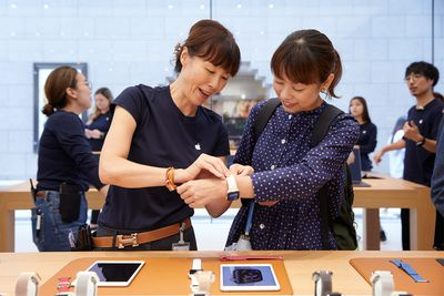 apple watch launch day