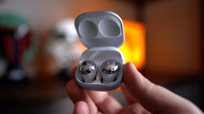 galaxy buds pro in case