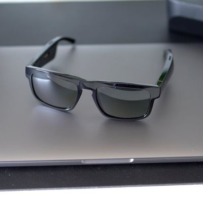 bose tenor audio sunglasses 1