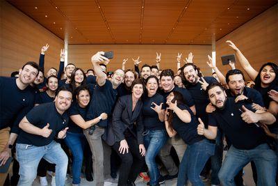Apple Antara store opening Deirdre O Brien with apple team members 092719
