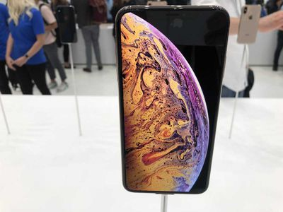 iPhone xs hands on 1
