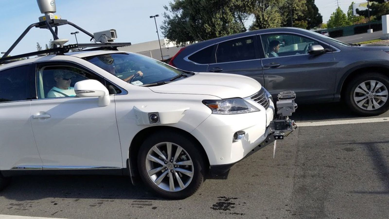 Lexus Suv Being Used For Apple S Self Driving Software Test Spotted On The Road Macrumors