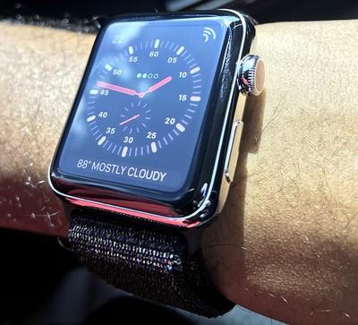 apple watch series 3 up close