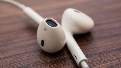 Apple EarPods 35446297 03
