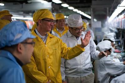 tim cook zhengzhou iphone plant
