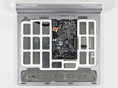 093343 magic trackpad inside