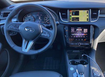 infiniti qx50 cockpit