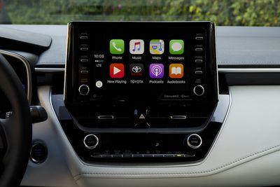 2019 corolla hatch carplay