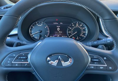 infiniti qx50 driver display