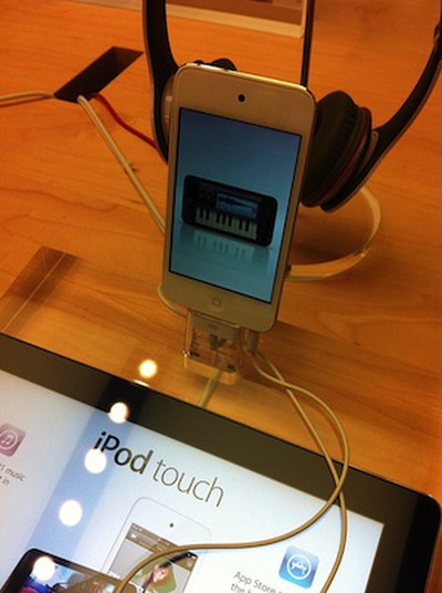 white ipod touch apple retail store