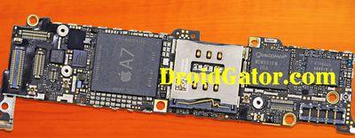 fake_iphone_5s_logic_board