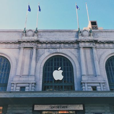 bill graham aud apple logo
