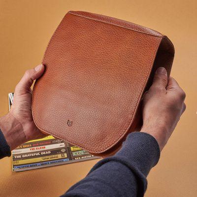 capra leather airpods max case tweak