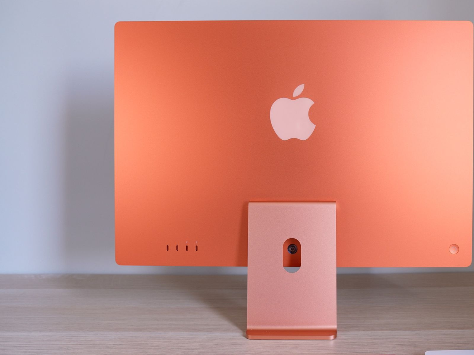 Some M1 iMac Models Shipping With Crooked Mountings - MacRumors
