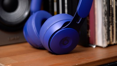 beats solo pro hands on 2