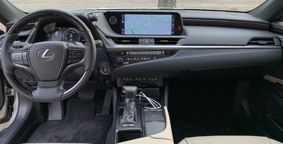 lexus es cockpit