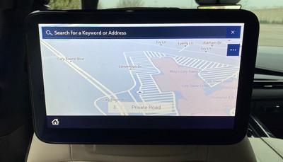 2021 escalade rear screen map