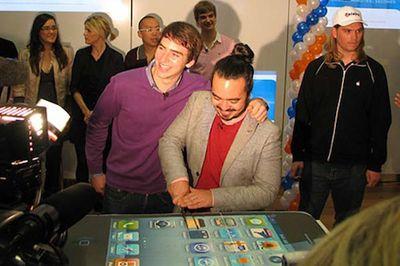 152102 iphone 4 cake telstra