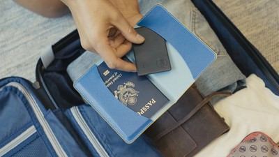 tile slim passport