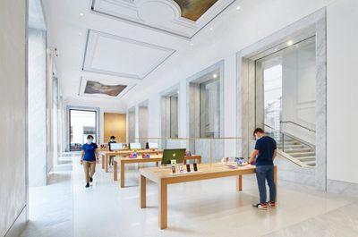 Apple Via Del Corso opens in Rome interior team members wide storeview 052721