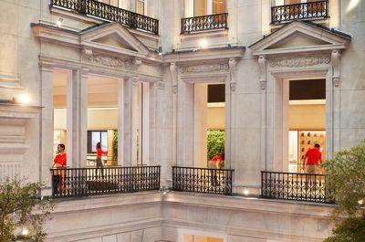 Apple Champs Elysees opens team members 11152018