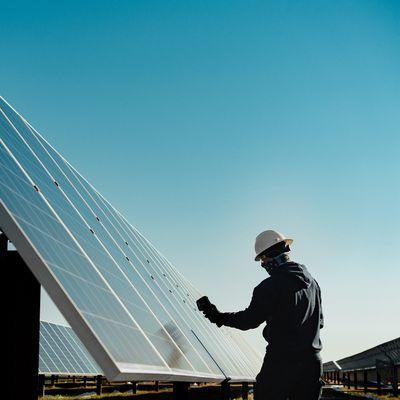Apple clean energy climate change solar